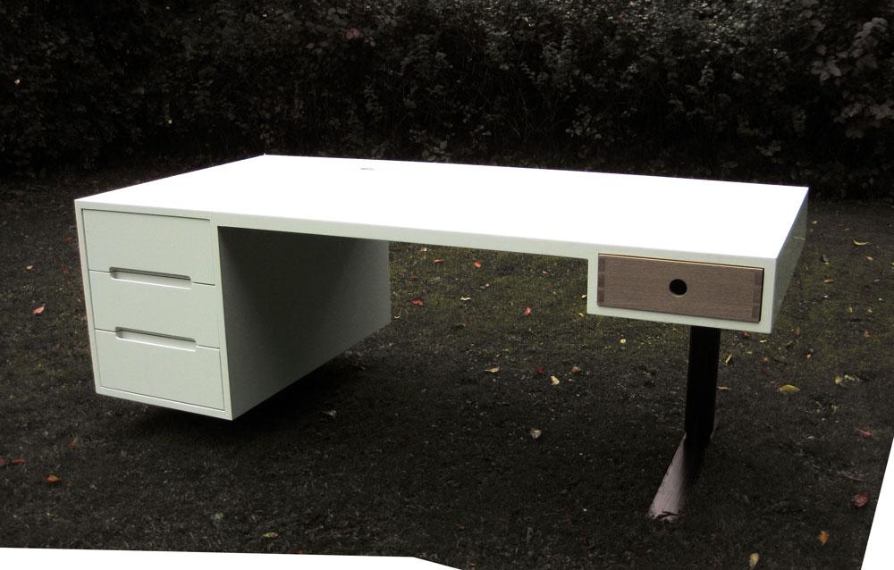 Arkitekttegnet hæve-sænkebord for privat kunde
